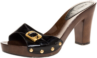 Fendi Black Patent Leather And Coated Wooden Buckle Detail Slide Sandals Size 38
