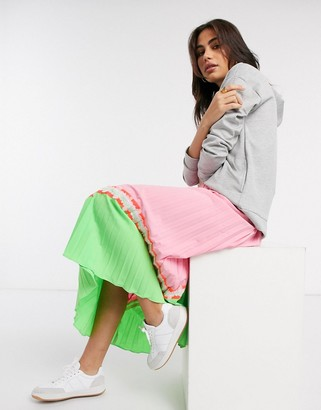 Liquorish pleated midaxi skirt in green and pink print