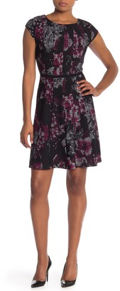 Robbie Bee Floral Cap Sleeve Stretch Knit Dress