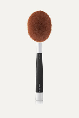 Artis Brush Fluenta Oval 8 Brush - Colorless