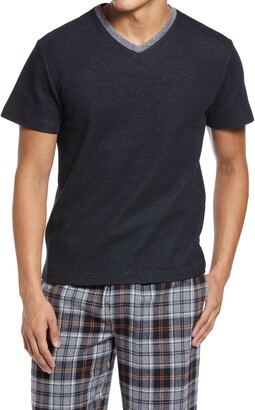 Majestic International Men's Sutherland V-Neck T-Shirt