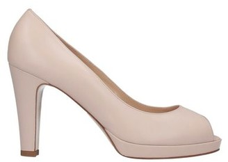 Couture Pump