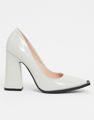 Raid Daleyza block heeled shoe with statement toe in bone