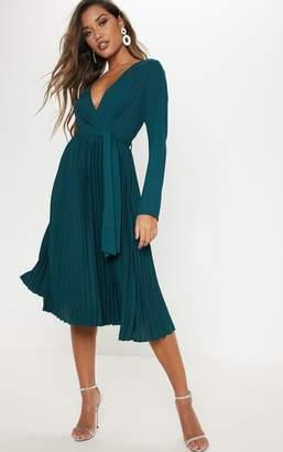 PrettyLittleThing Emerald Green Long Sleeve Pleated Midi Dress