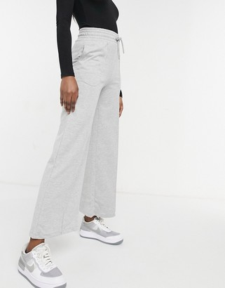 New Look pintuck wide leg jogger in mid grey