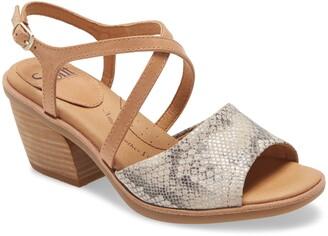 Sofft Piara Block Heel Sandal