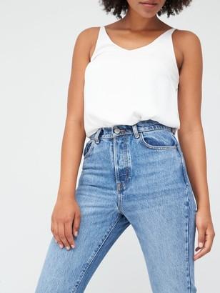 Very Studio Slim Straight Leg Jean - Mid Wash