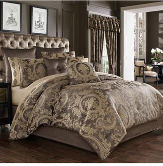 J Queen New York Five Queens Court Neapolitan Queen 4 Piece Comforter Set Bedding