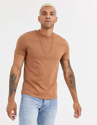 Asos Design DESIGN t-shirt with crew neck in brown