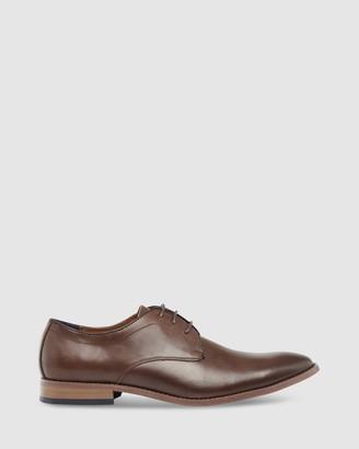 TAROCASH Sinclair Lace Up Shoe