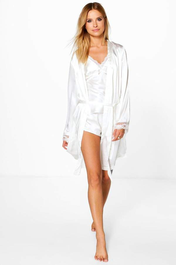 Cream Bridal Lace Sleeve Satin Kimono Robe