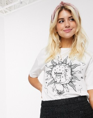 Pimkie moon motif tee in white