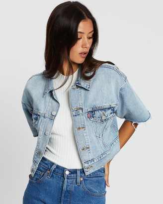 Levi's Women's Blue Denim jacket - Short Sleeve Crop Dad Trucker - Size S at The Iconic