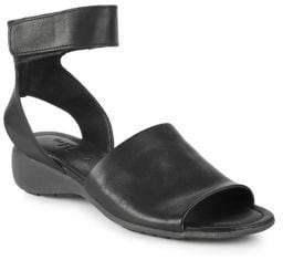 The Flexx Beglad Leather Wedge Sandals