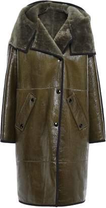Yves Salomon Shearling-trimmed Crinkled Glossed-leather Hooded Coat