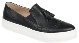 Brinley Co. Womens Tassel Wing-tip Loafer