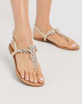 Qupid embellished flat sandals in gold