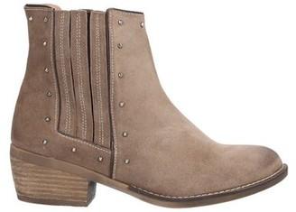 NEMONIC Ankle boots