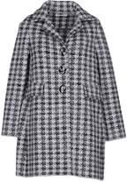 Charlott Coats