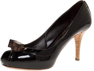 Louis Vuitton Dark Burgundy Patent Leather Dice Peep Toe Platform Pumps Size 37.5