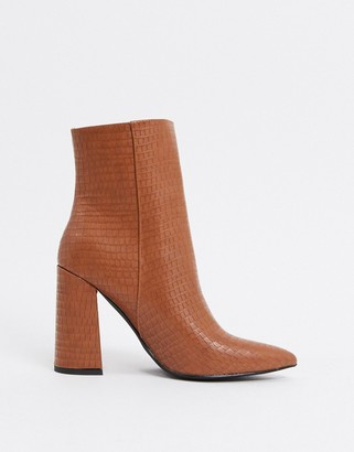 London Rebel pointed heeled ankle boots in toffee