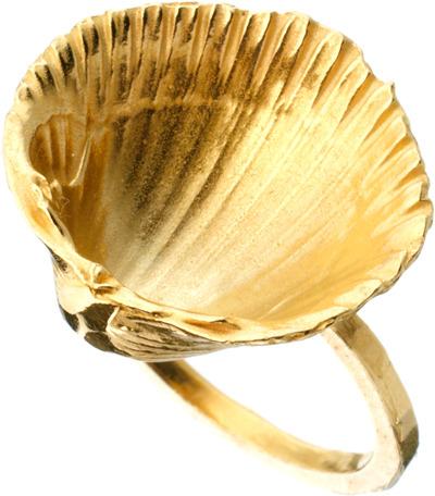 Daisy Knights Shell Ring