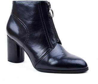 NEW YORK TRANSIT New York Transit Womens Roselyn Spool Heel Booties
