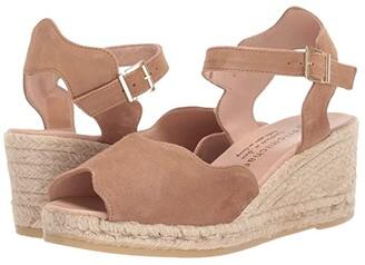 Eric Michael Lupa (Beige) Women's Shoes