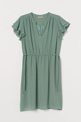 H&M H&M+ Flutter-sleeved dress