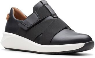 Clarks Un Rio Strap Wedge Sneaker