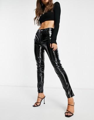I SAW IT FIRST vinyl skinny pants in black