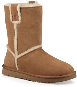 UGG Classic Spill Seam Genuine Shearling Boot