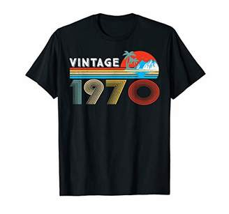 IDEA 49th Birthday Gift Vintage 1970 49 Years Old Distressed T-Shirt
