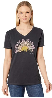 Life is Good Watercolor Daisy Camp Crusher Vee (Jet Black) Women's Clothing