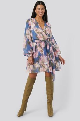 NA-KD Belted Chiffon Dress