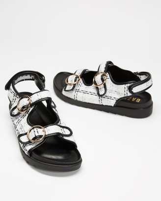Dazie - Women's White Flat Sandals - Twiggy Sandals - Size 5 at The Iconic