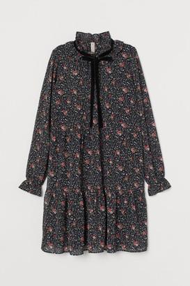 H&M Ruffled-collar Dress - Black