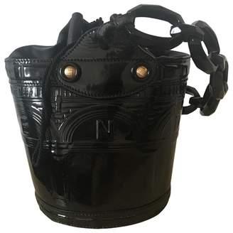 Fendi Palazzo Bucket Black Patent leather Handbags