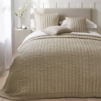 The White Company Elgin Quilt
