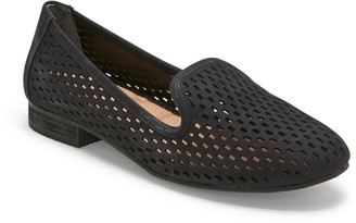 Me Too Perforated Leather Slip On Loafers - Yane