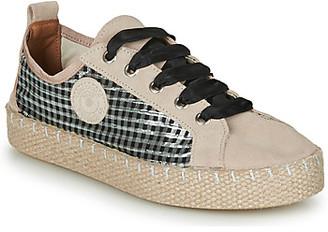 Pataugas PANKE women's Espadrilles / Casual Shoes in Beige