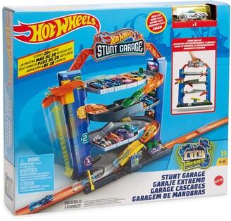 Mattel HOT WHEELS Stunt Garage Play Set