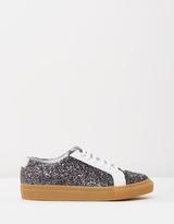 Hope Billie Sneakers