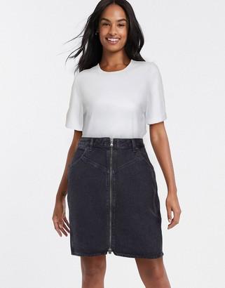 Wrangler zip skirt in black