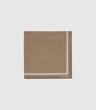Reiss Jupiter - Silk Pocket Square in Champagne
