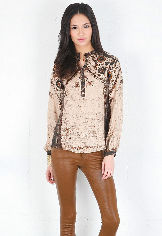 Twelfth St. By Cynthia Vincent Bell Sleeve Blouse in Persian Rug Print