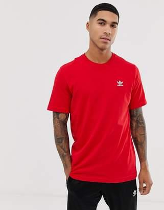 adidas essentials t-shirt in burgundy-Red