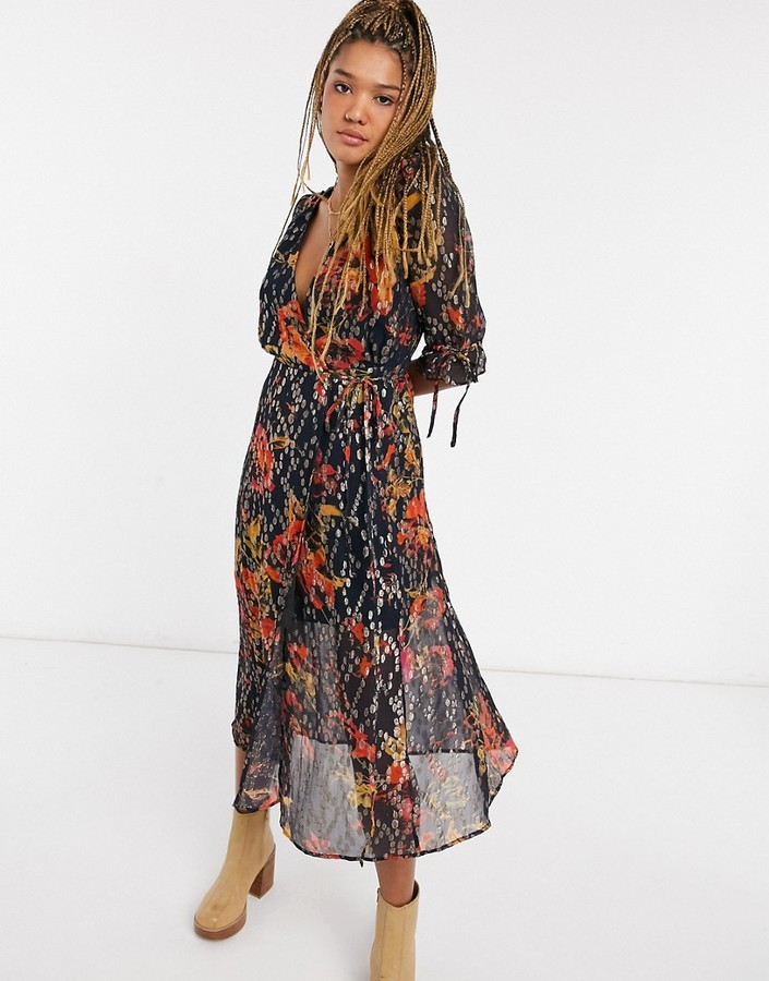 Thumbnail for your product : Hope & Ivy wrap midi dress with flutter sleeve in navy metallic spot