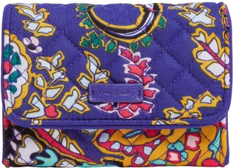 Vera Bradley Iconic Signature RFID Riley Compact Wallet