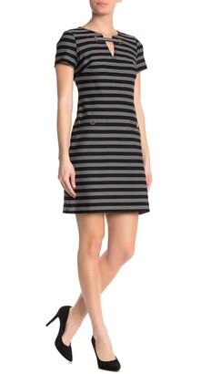 Tommy Hilfiger Short Sleeve Front Grommet Strip Dress